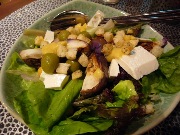 P1120169 Merhaba salad.jpg