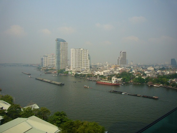 P1150206 Chatrium Hotel Riverside Bangkok vew.jpg