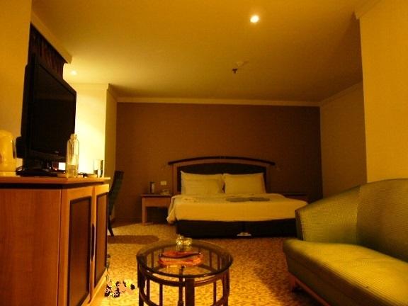 P1150677 BAIYOKE SKY HOTEL.jpg
