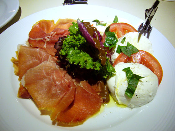 P1170622 bacco tomato capuleze.jpg